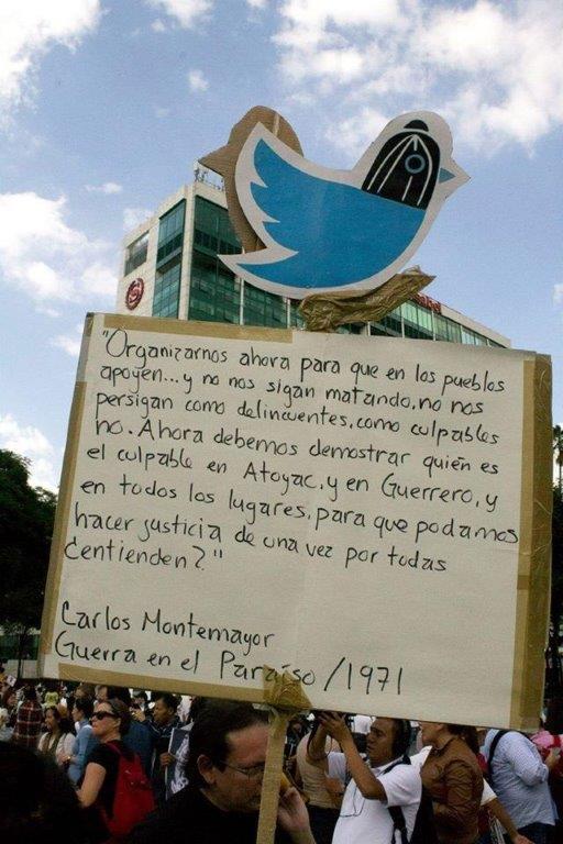 Carlos Montemayor en manifestación Ayotzinapa